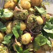 Kartofler med løvstikkepesto