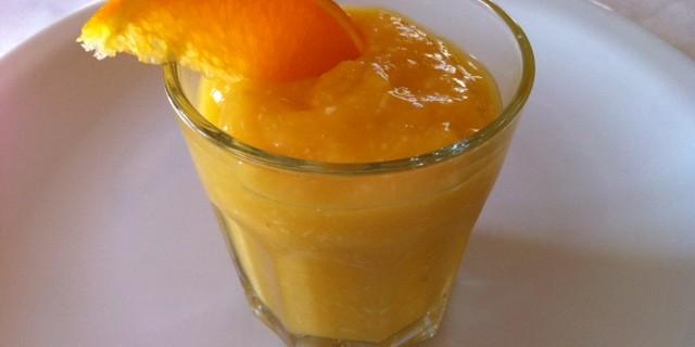 Smoothie med mango og kokos
