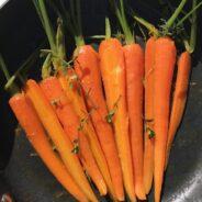 Honning og appelsin glacerede gulerødder